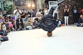 breakdance-1450054__180